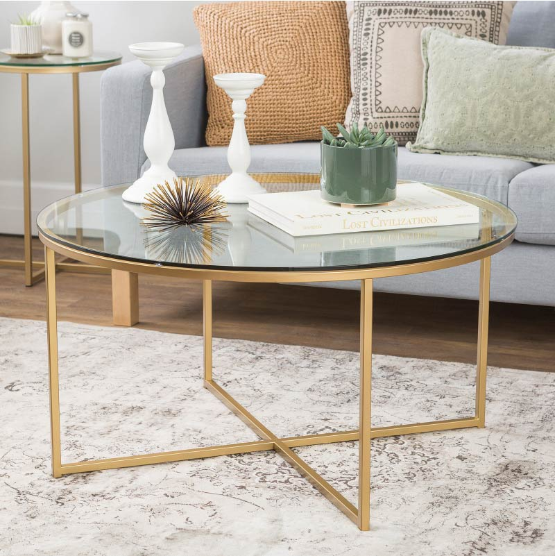 Wooden And Metallic Furniture To Accentuate Living Room Decor