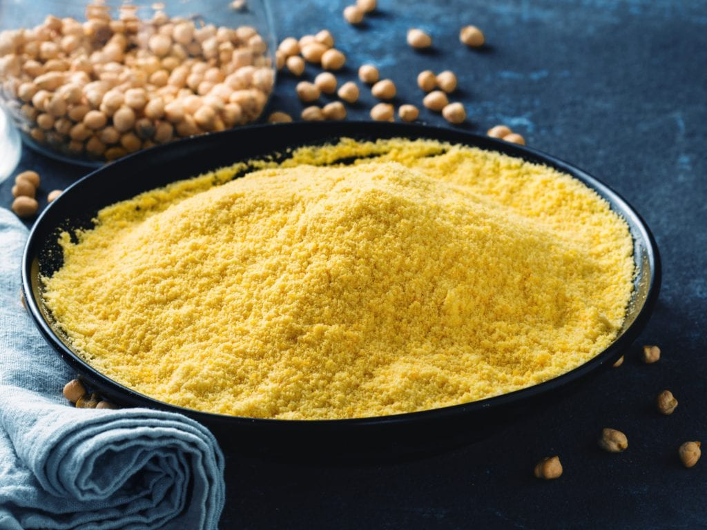 Gram Flour And Yogurt To Remove Tan From Hands