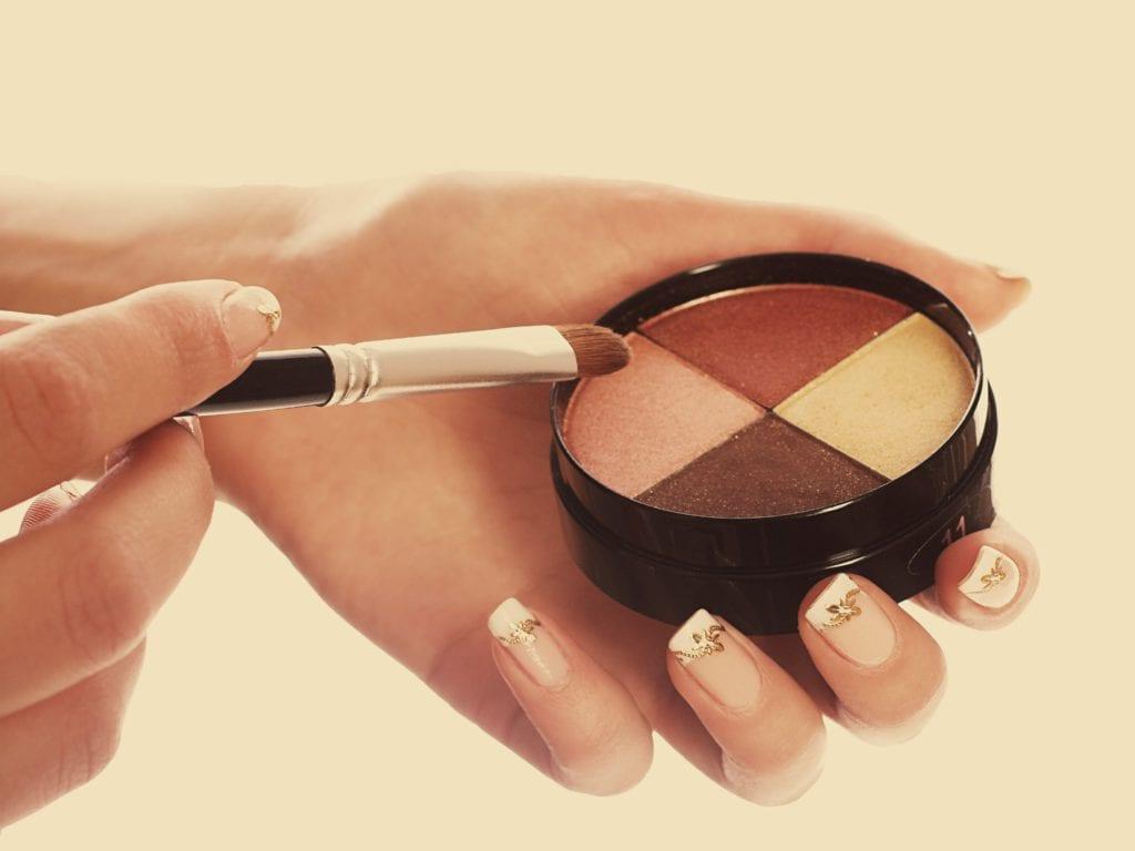 Loose Pressing powder To Set Office Makeup
