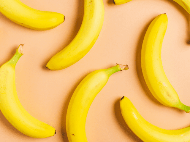 Wrap The Bananas With A Plastic Cap To Make Them Last Longer