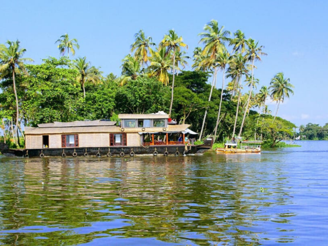 Plan Your Babymoon To Backwaters Of Kumarakom