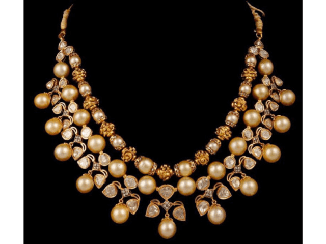 Enhance Your Saree Look With Sea Pearls Diamond Necklace