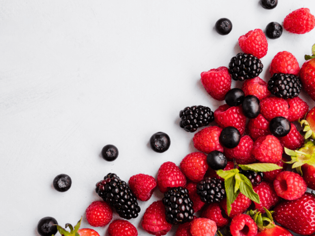 Store The Berries By Dipping Them In Vinegar