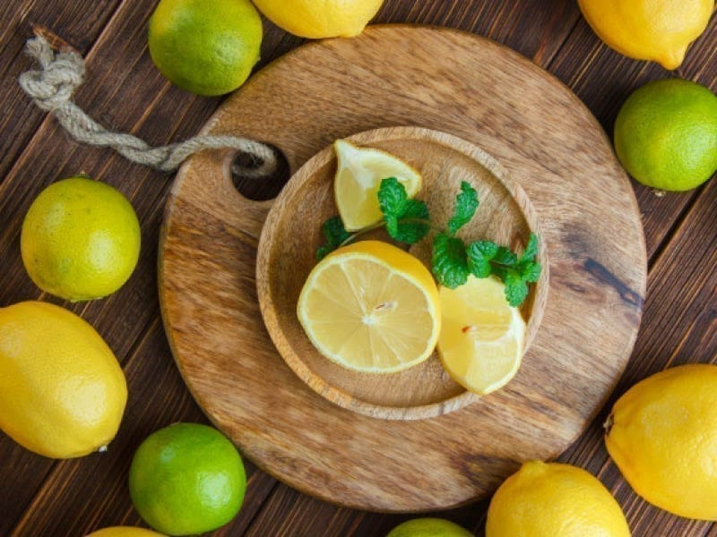 Beat Oily Skin With Lemon Face Mask