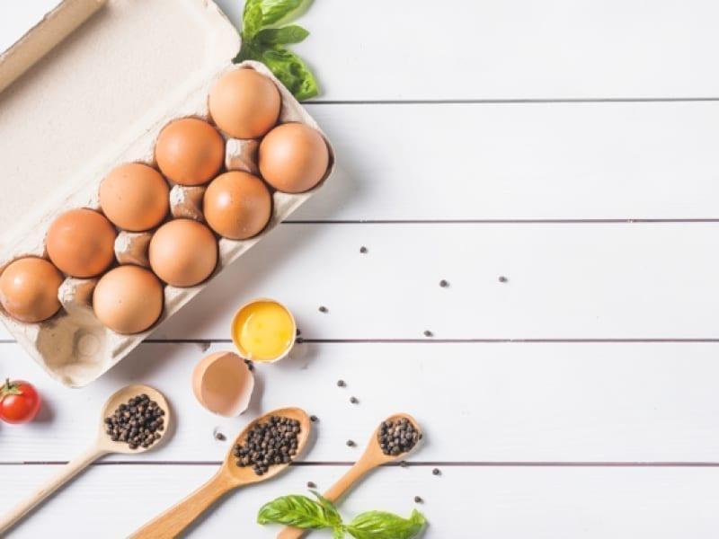 Treat Oily Hair With Egg Yolk