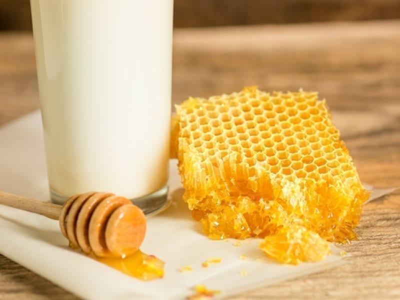 Milk And Honey Soak For Stronger Nails