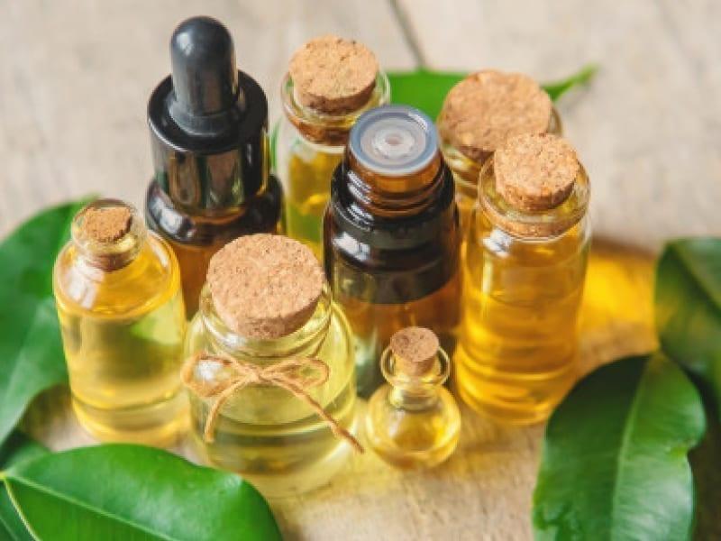 Avoid Nail Splitting With Tea Tree Oil